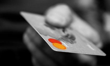 クレジットカードはカード1枚につき、還元される上限金額が決まっています